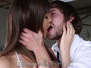 HD - Passion-HD Holly Michaels takes a eclipse dick in say no to wet pussy